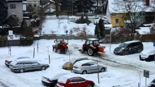 Bolek i Lolek walczą z zimą :)