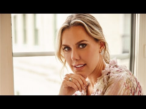 , title : 'Kendra Scott Brand: How to Scale a Small Business into a Billion Dollar Brand