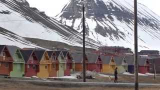 preview picture of video 'HD video footage of Longyearbyen, Svalbard, Spitsbergen & Barentsburg'