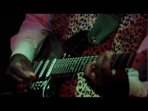 Akeem Kemp - Sneaking Out - Official Video