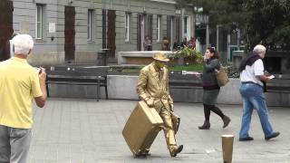The golden Statue-man in Budapest #2