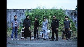 Siti Badriah VS Linkin Park - Lagi Syantik VS Crawling & Numb (Cover By Anha Feat. Gue Loe Rock)