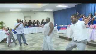 (Mom & Son Dance)
