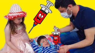 İğneden Çok Korkan Emir Doktordan Kaçmıyor -Eğlenceli Çocuk Videosu -Doktorculuk Oyunu Parodi