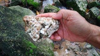 Phát hiện đá quý dưới suối, find diamond under the stream