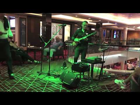"Diego ""One Man Band"" Guitar-Vocal-Entertainer Trento Musiqua"