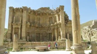 preview picture of video 'Gerasa (Jerash), Jordan - The Nymphaeum (public fountain) and the Cardo.'
