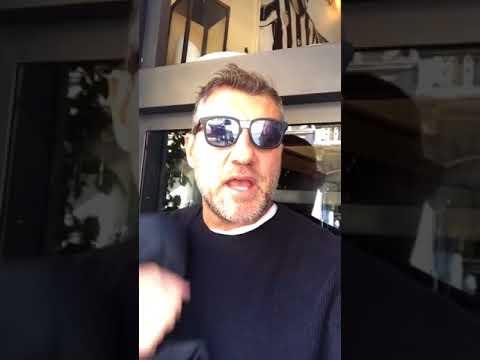 """Christian Vieri: """"Fate finta di usare il cel, poi mi fate i video!"""""""