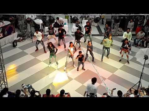 Flash mob//mall mashup//korba's first mall city center/Present by harfanmoula Dance & music academy