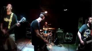 Video Threes Away @ The White Swan - ...and Syndicated