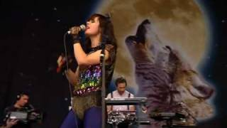 Bat For Lashes - Sleep Alone (Glastonbury 2009)