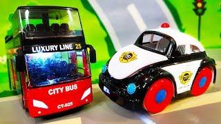 Мультики про машинки. Автобус попал в беду - Полицейские машинки спешат на помощь. Видео для детей