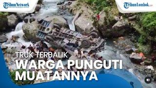 Sebuah Truk Terjun ke Sungai di Sitinjau Lauik, Warga Punguti Muatan Berupa Susu