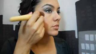 preview picture of video 'A Little Holiday Sparkle Makeup Tutorial'