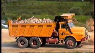 preview picture of video 'MAN Hauber mit Meiller Dump Truck / Kipper, Fa. Stumpp Stuttgart, 1989.'