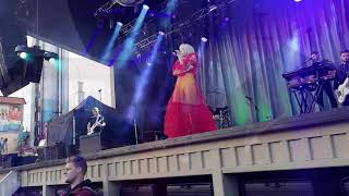 Carly Rae Jepsen   Want You In My Room (Live @ Gröna Lund)