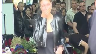 Прощание с Олегом Яковлевым (фото и видео в зале для ритуалов)