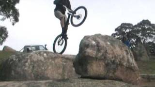 preview picture of video 'Mt Bolton trial bike highlights 09'