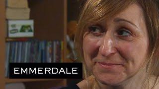 Emmerdale - Laurel Tries To Seduce Marlon Out Of Desperation