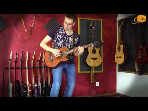 Ortega Guitars | Julian Scarcella plays the HORSE KICK