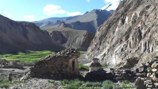 preview picture of video 'Día 4 castillo, TREKKING DEL VALLE DEL MARKHA Y STOK KANGRI 6.148 (Pequeño Tibet) India'