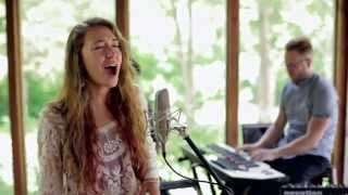 Lauren Daigle   How Can It Be