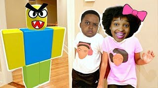 ROBLOX vs Shiloh and Shasha - Onyx Kids