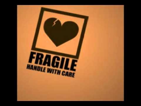 Immagine testo significato Fragile