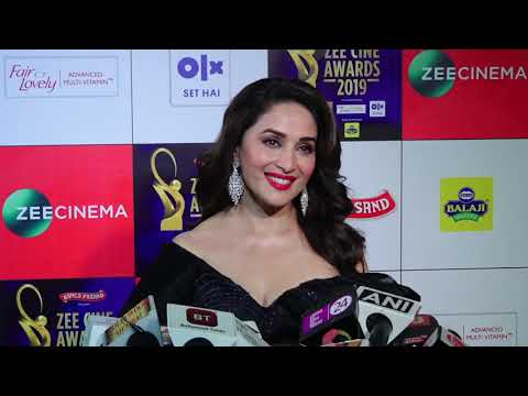 "Madhuri Dixit On Kalank: ""Bahot Accha lagta hain Jab Sab saath Kaam karte hai""| Zee Cine Awards 2019"