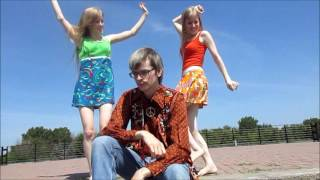 Our Video to Marshall Crenshaws' Let Her Dance