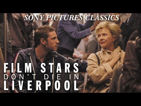 Film Stars Don't Die in Liverpool (Featurette 'Elvis Costello')