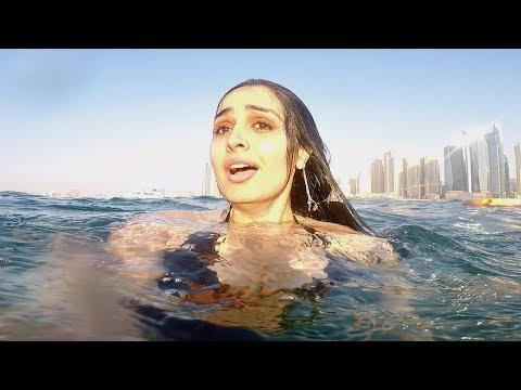 GIRL ALONE IN THE OCEAN !!!
