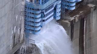 ЯПОНИЯ Сброс воды на плотине Yahagi Dam ЭТО НАДО ВИДЕТЬ