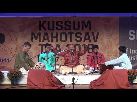 Guru Shri Hemant Kulkarni singing in Kussum Mahotsav 2018