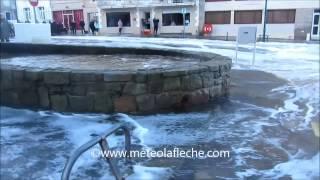 preview picture of video 'Grandes marées Saint-Malo Dimanche 2 Février 2014'