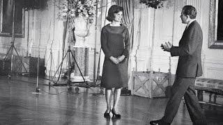 Jacqueline Kennedy Onassis - Style Icon