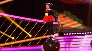 Bianca Preda, număr de echilibistrică pe minge pe scena Next Star
