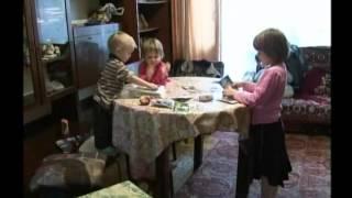 Отец-одиночка Василий Захватов воспитывает троих малолетних детей