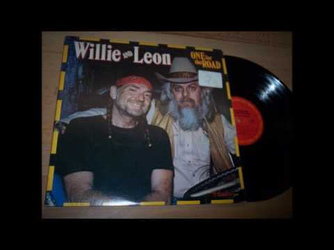 09. Sioux City Sue - Willie Nelson & Leon Russell - One For The Road (Hank Wilson)