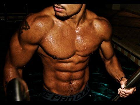 Slim batang babae sa gym