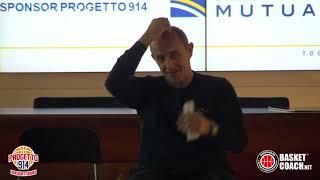 <p>A lezione con coach Ettore Messina</p>