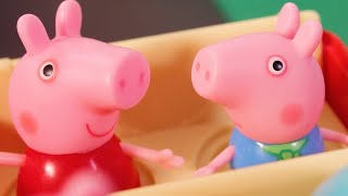 Peppa Pig Official Channel | Peppa Pig's Perfect Day at the Beach | Toy