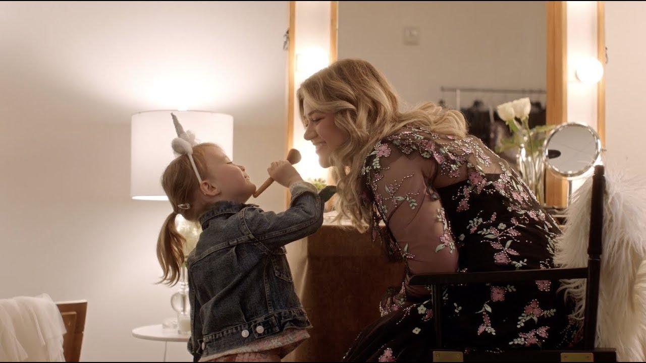 Kelly Clarkson – Broken & Beautiful (From The Movie UglyDolls)