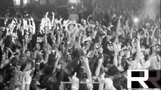 """Machine Gun Kelly x Waka Flocka """"Wild Boy"""" Live"""