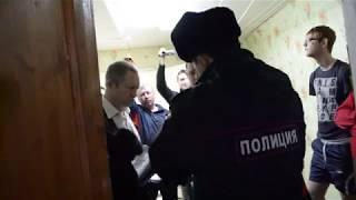 Преподавателя ОГАУ незаконно уволили и выкинули на улицу
