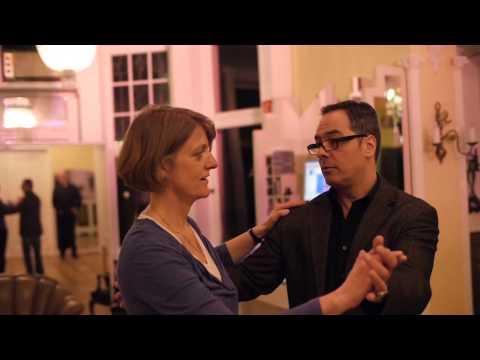 Körpersprache deuten flirten