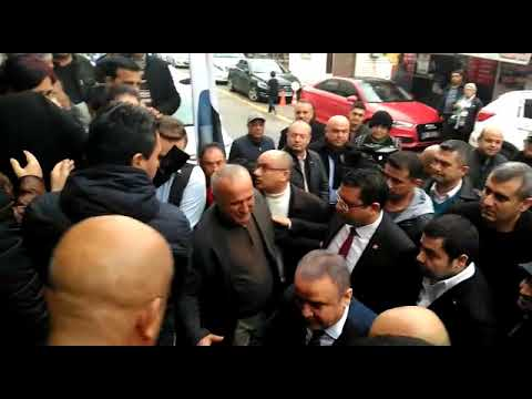 Böcek ilk ziyaretini CHP il başkanlığına gerçekleştirdi