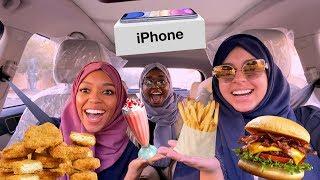 السيارة اللي قدامنا تحدد طلباتنا | اشترينا آيفون !!!!