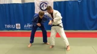 Дзюдо. Борьба за захват. Бросок подхват. Judo. Kumi kata. Uchi mata throw