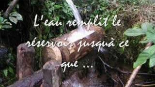 preview picture of video 'Marteau pileur de riz à Marovato (Anivorano Nord-Madagascar)'